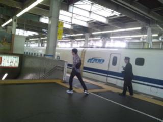 新幹線〜某駅にて……